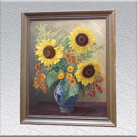 Carl Berndt: Vase-Delfter Blau mit Sonnenblumen (1950) Ölgemälde, altgerahmt, Rahmen beschädigt und Bild reinigungsbedürftig, 96 cm x 79 cm, 590,- €